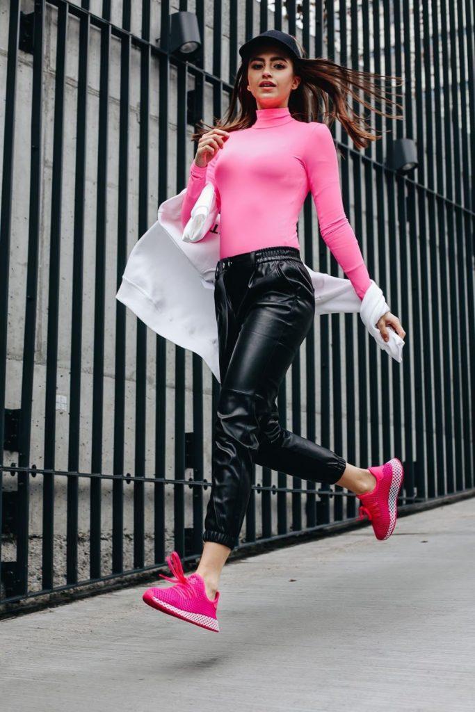 Que Zapatos Con Pantalones Jogger Outfits Para Ella Y Para El Blog Zapatos Es