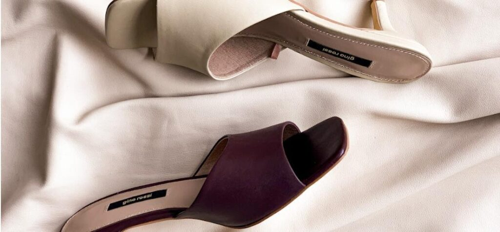 sandalias con tacón de mujer